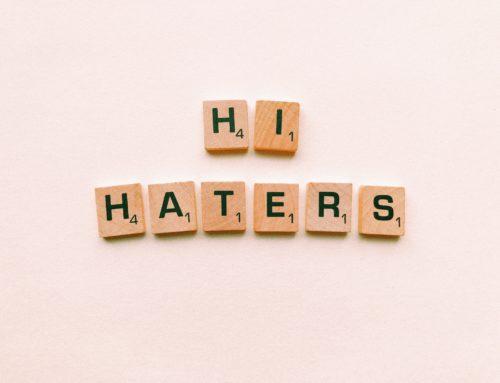 Trolls,  haters, acosadores e demais fauna dixital