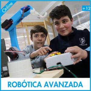 niños aprendiendo robótica