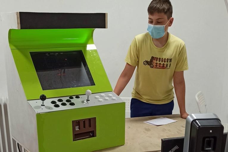 proyecto consola maker faire